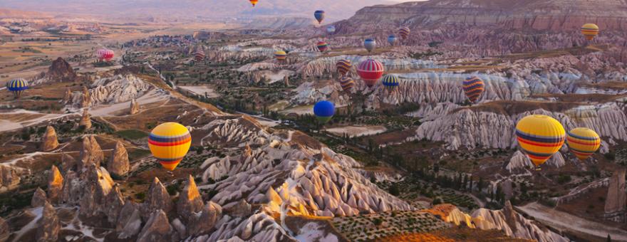 Turkey_Cappadocia-hot-air-balloon